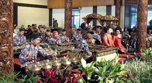800px-Javanese_Gamelan